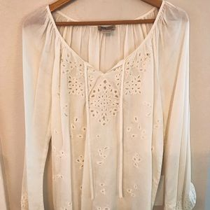 Lucky brand white top with embroidered accents